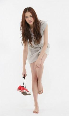 艾薇儿高清手机壁纸 韩国女歌手朴素妍手机