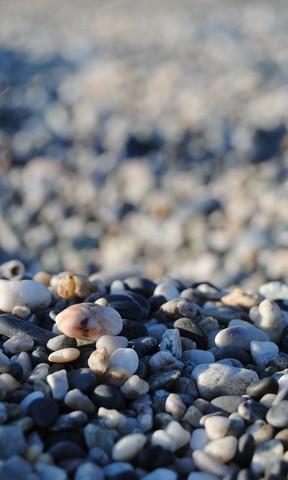 海滩卵石手机壁纸