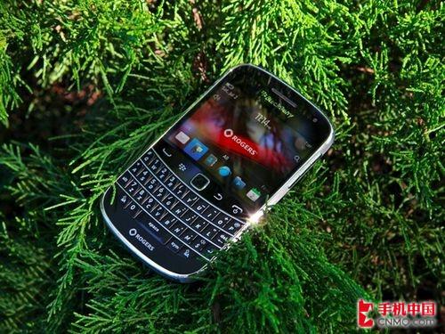 黑莓9900港版到货 全键盘触控旗舰机