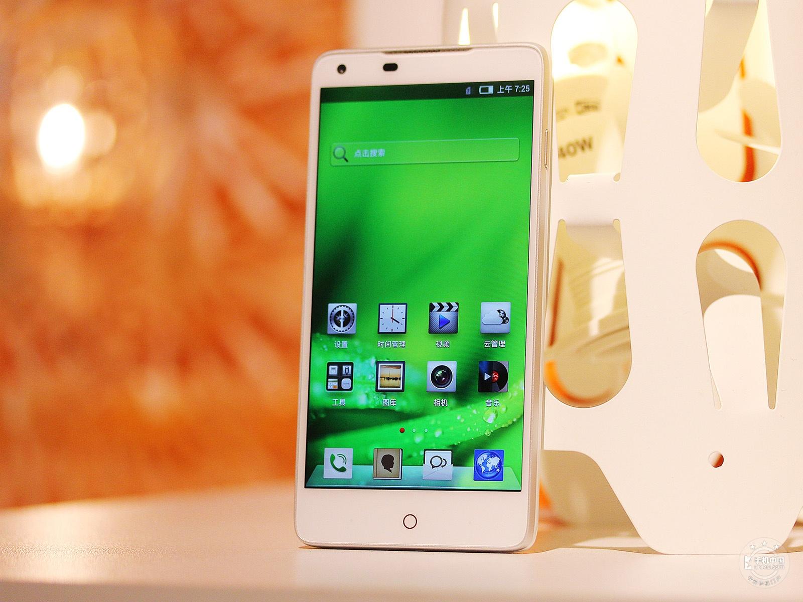 努比亚Z5(32GB)整体外观第5张