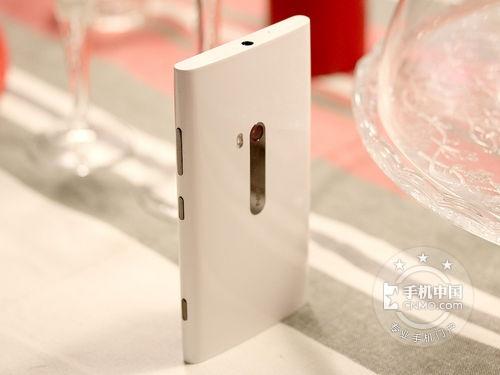诺基亚920超灵敏屏幕 报价为999元