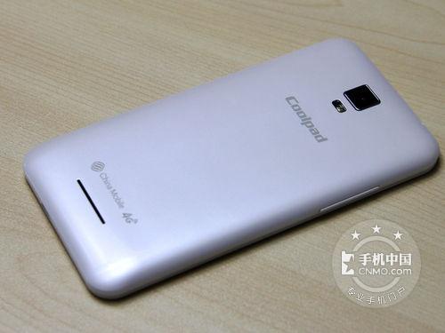 同时它还配有一块2000mah的锂电池,单卡设计.图片