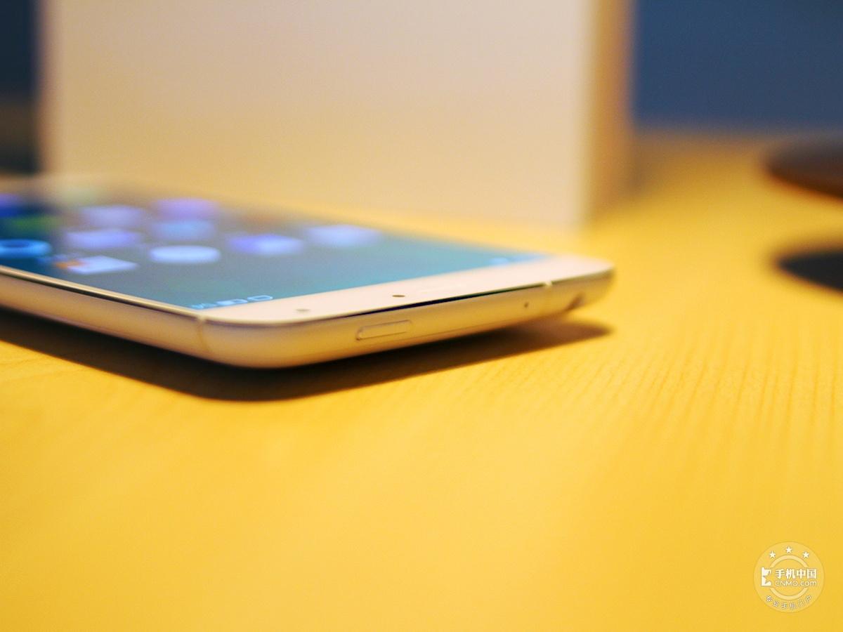 魅族MX4(联通4G/32GB)机身细节第8张