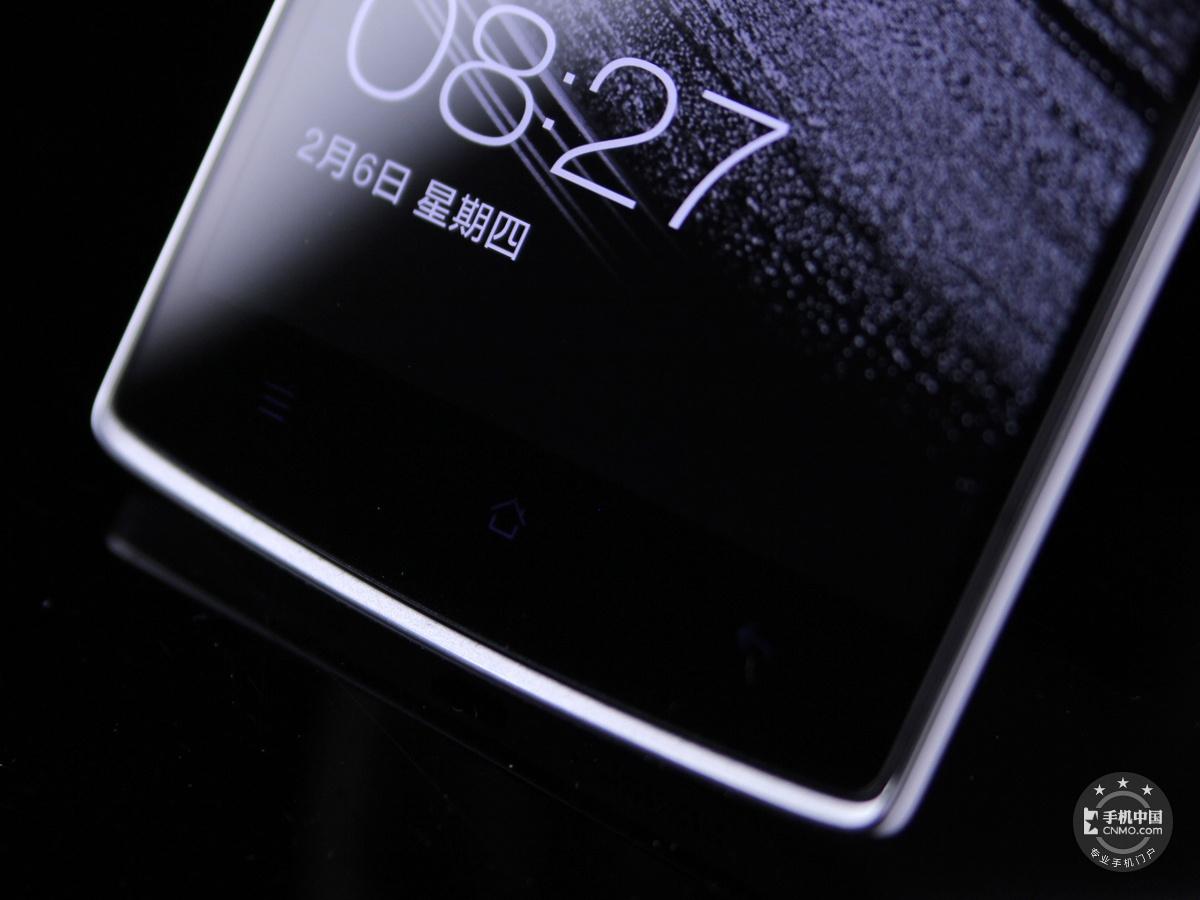 一加手机(64GB/联通版)机身细节第6张