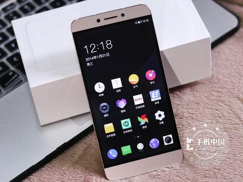 乐视超级手机1s依然采用乐视标志性的id无边框设计