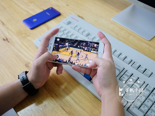 全新双核对焦 OPPO R9s深圳促销仅2650元
